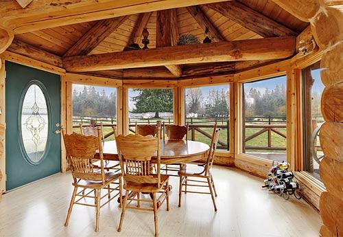 Pineca-Holzhäuser mit Architekturservice